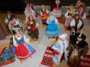 Куклы в польских национальных костюмах