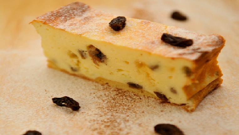 кусочек праздничного сырника