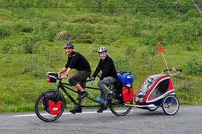 на велосипеде на отдых всей семьей